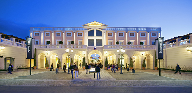 Home · Shopping · Fashion in Naples  La Reggia Designer Outlet d46dd989231